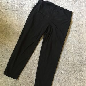 Athleta Black Cropped Leggings